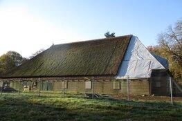 Opknapbeurt van vervallen boerderij ''Donglust'' in Oranjewoud begonnen
