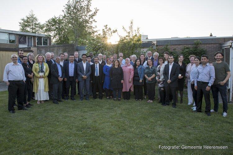 Samen aan tafel tijdens Heerenveense Vrijheidsmaaltijd
