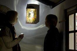 Met een zaklamp op ontdekkingstocht tijdens 'Spotlight Tour' in Museum Joure