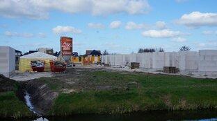 Bouw woningen  nieuwbouwplan de Creek wijk Skoatterwald vordert