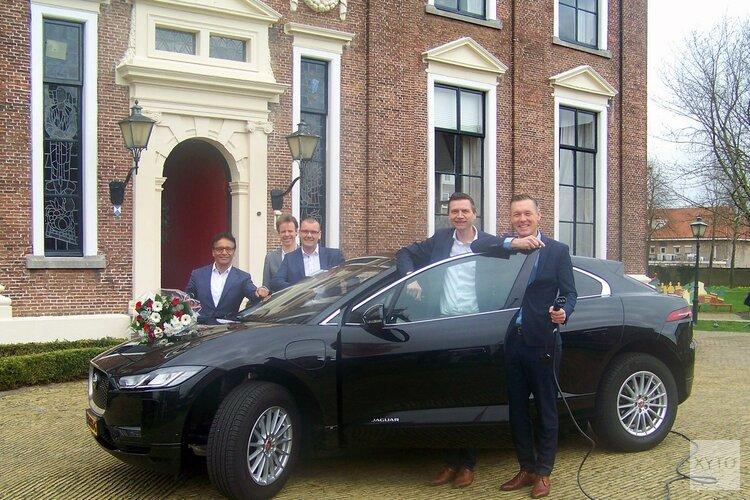 College Heerenveen krijgt nieuwe dienstwagen