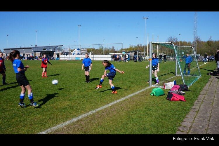 Schoolvoetbal toernooi Heerenveen succesvol verlopen!
