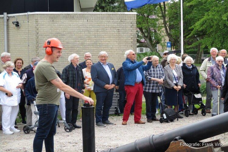 Officiële aftrap voor de bouw van service appartementen bij service flat Oranjewoud!