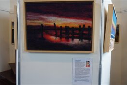 Expositie van wol schilderijen Pytsje Cuperus de galerie van Mildam