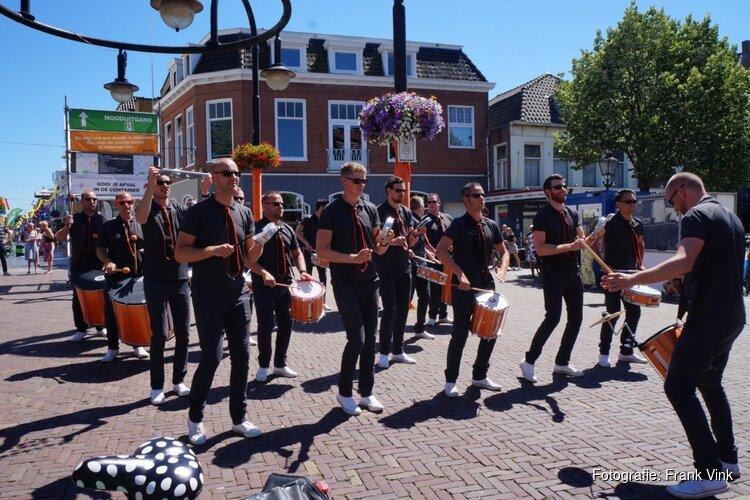 Ibiza markt en Heerenveen op stelten trekt veel publiek