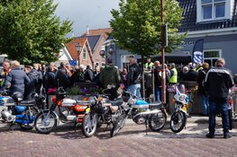 """Veel deelnemers voor de eerste """"Fryske Nozems toertocht"""" Heerenveen!"""