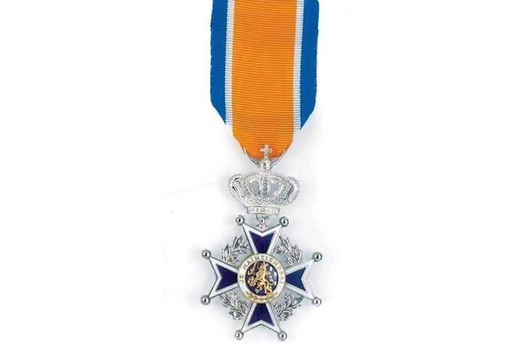 Mevrouw Janssen (63 jaar) is bij Koninklijk besluit benoemd tot Ridder in de Orde van de Nederlandse Leeuw