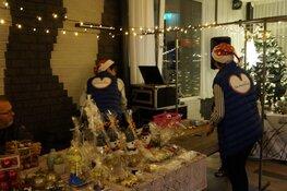Gezellige drukte op de kerstmarkt in Oudeschoot