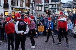 Gezellige drukte op de jaarlijkse kerstmarkt in Heerenveen